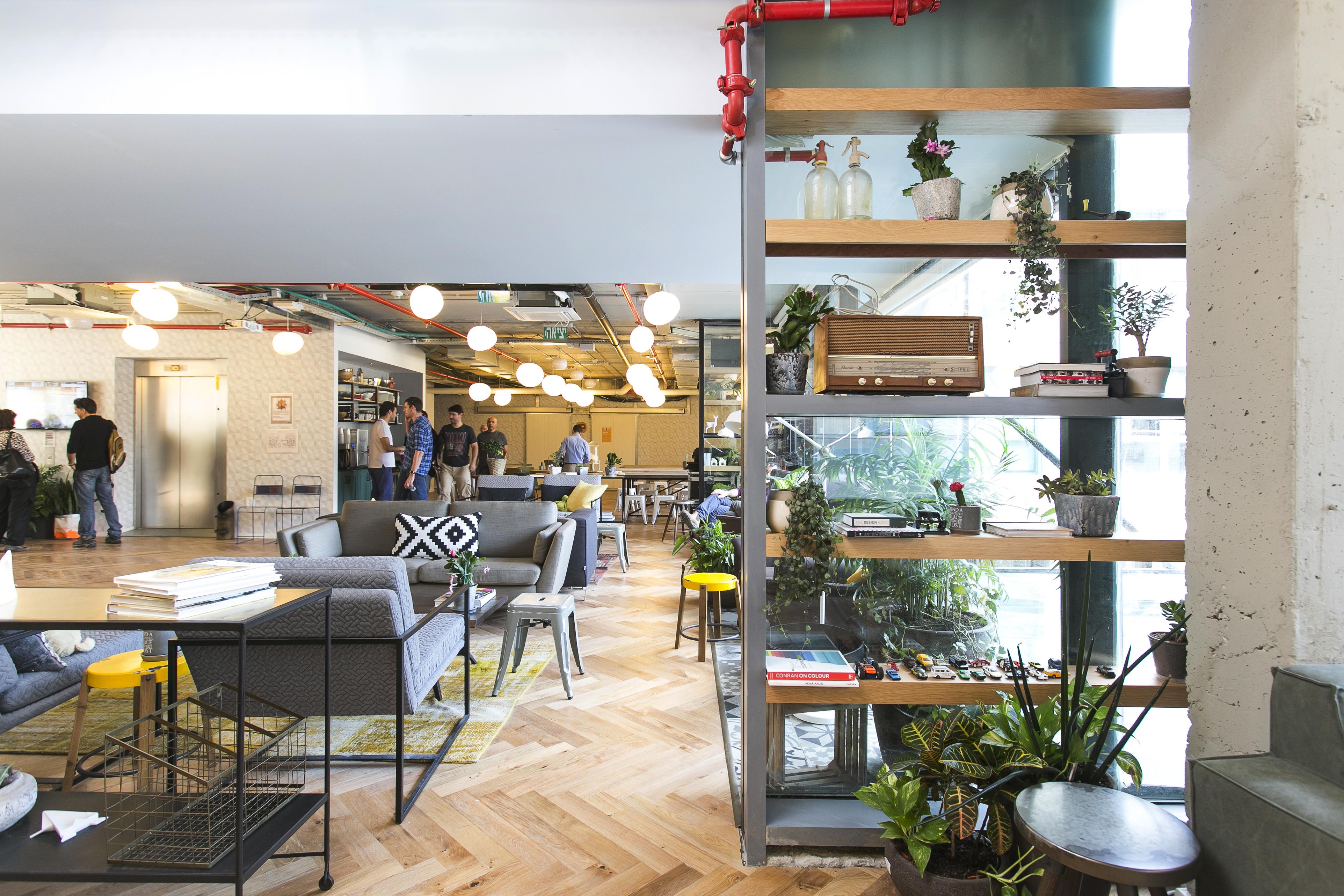 coworking office space in tel aviv wework sarona. Black Bedroom Furniture Sets. Home Design Ideas